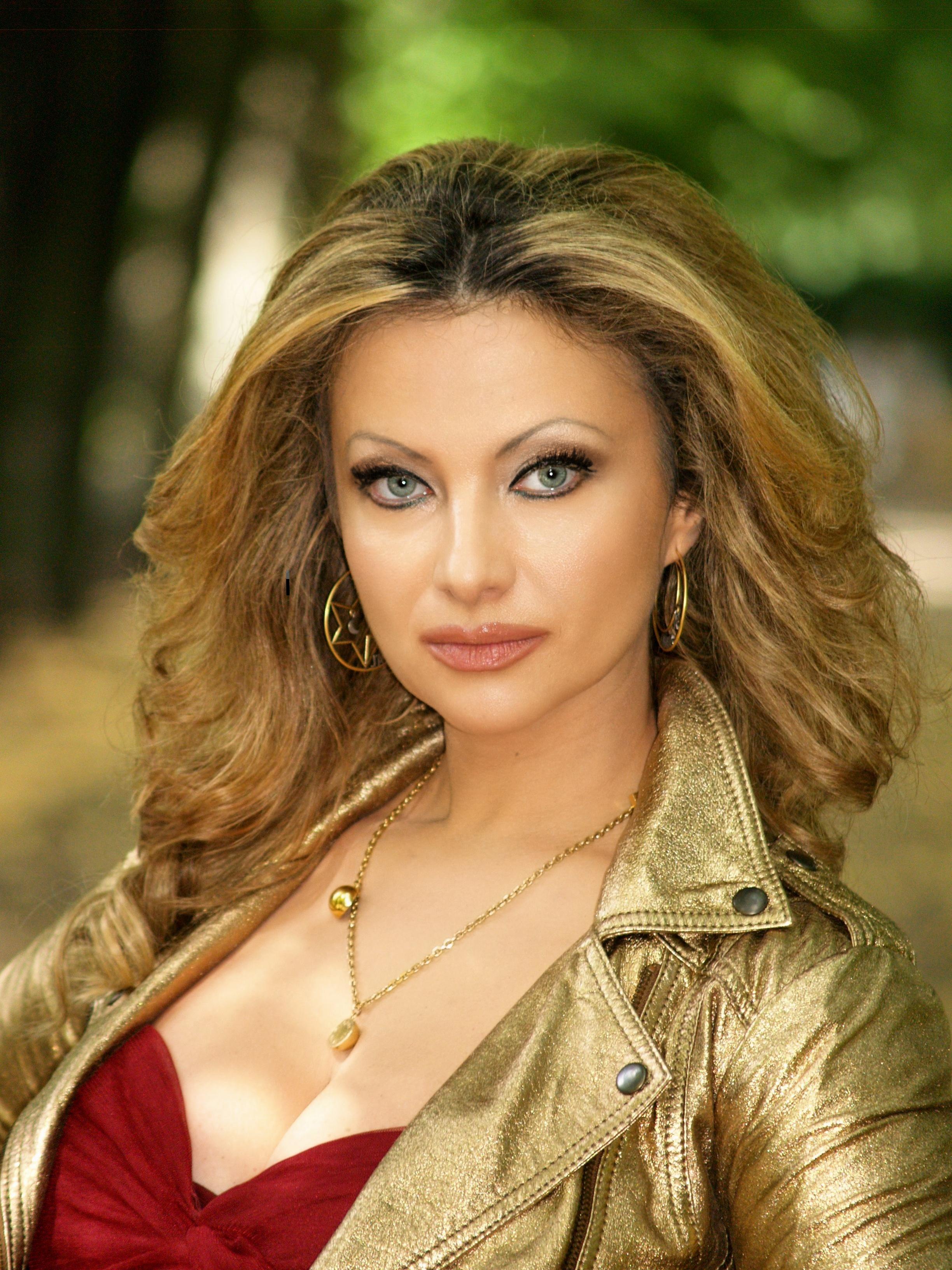 Elena Nuzman - 2019